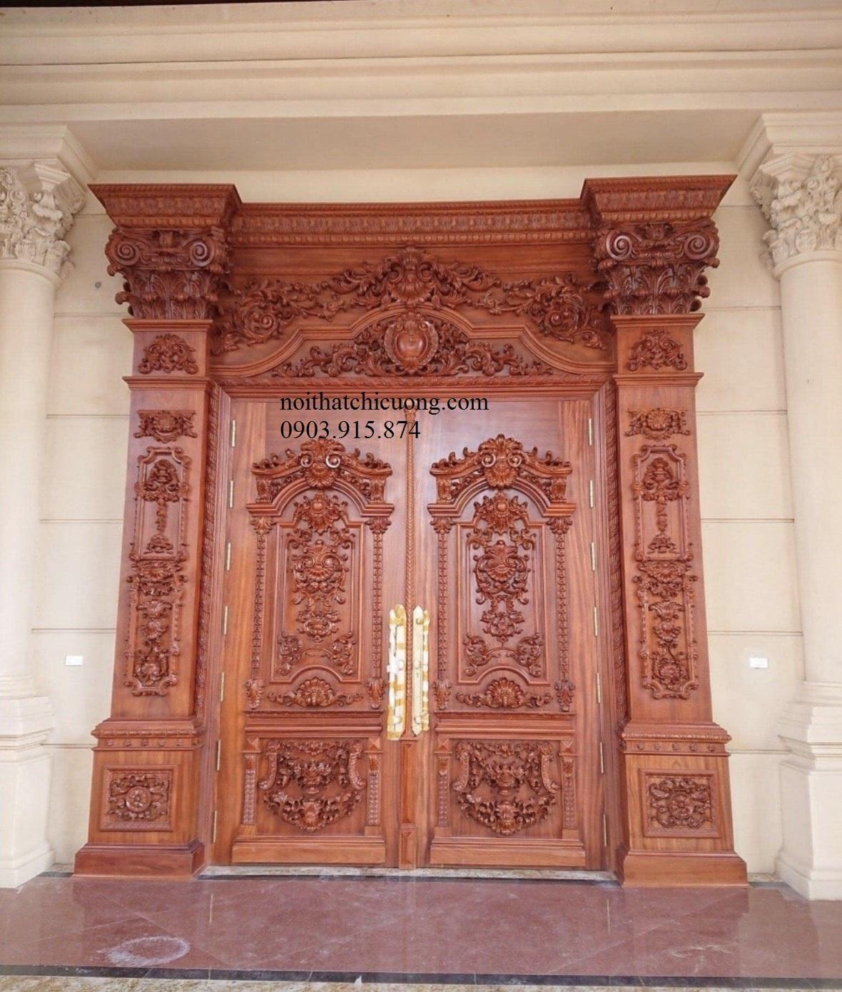 Cửa Cổng Gỗ Cổ Điển 852
