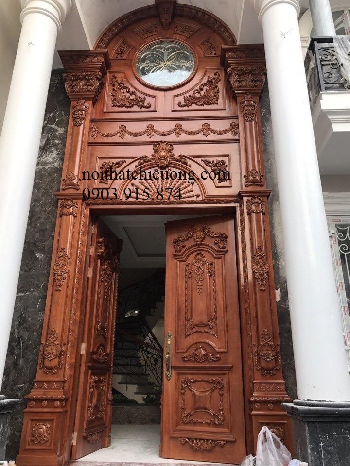 Cửa Cổng Gỗ Cổ Điển 855
