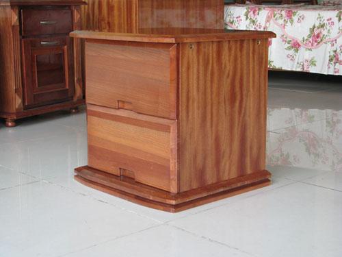 Tủ Đầu Giường Hiện Đại Bằng Gỗ -002